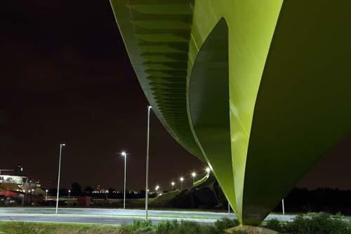 柴田敏雄 Toshio SHIBATA 't Groentje' Bicycle Bridge, Nijmegen, The Netherlands 2013  © Toshio Shibata for Laurent Ney, Design © Laurent Ney