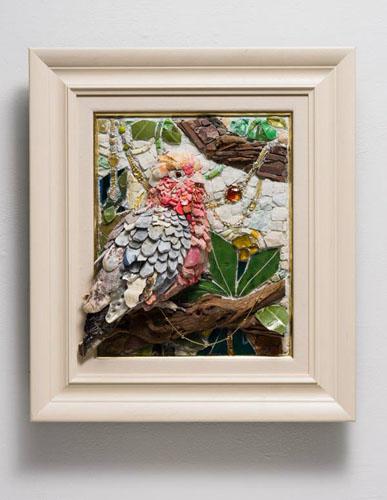 西ノ宮佳代 - 含綬鸚鵡(がんじゅおうむ) 2014年 27.3×22.0cm(F3)+額 モザイク