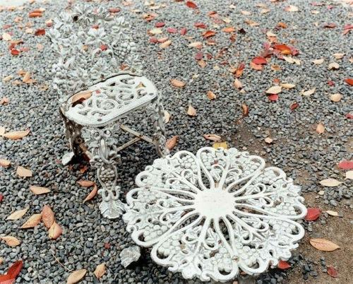 池田 葉子 - 「Garden furnitures / ガーデンファニチャー」岡山県倉敷市, 2014, 20×24インチ, Type C print