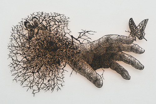 盛田亜耶 最後の晩餐-聖トマスの手 2017 34.2×25.2cm 切り絵、アクリル絵具