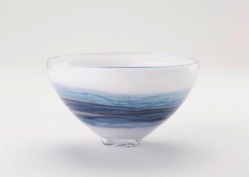 イイノナホ 時の素描5(抹茶碗ー縁広 青) 2020 手吹きガラス Φ15.8×H21.12cm