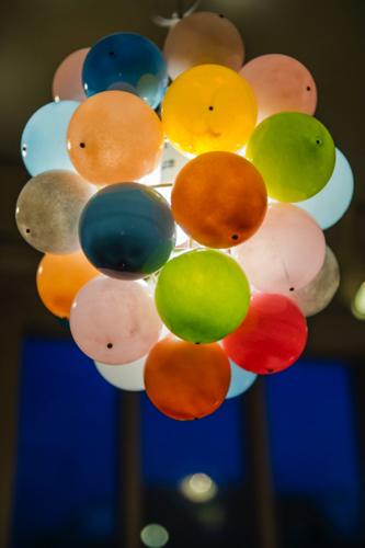 イイノナホ Very sweet - multi color 2005 ガラス、ステンレス、真鍮 ⌀30.0cm
