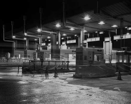 Toshio SHIBATA - N-107 Night Photo , 首都高速 川崎大師インター , 1982 ,ゼラチン・シルバー・プリント