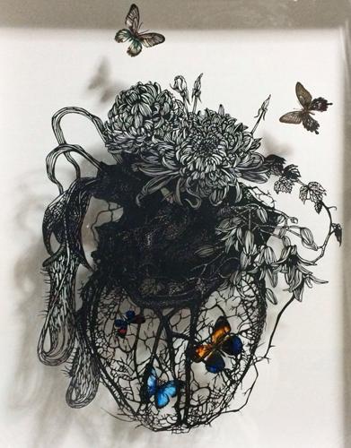 Aya MORITA「cage」2015  52.5×43.0cm  切り絵、アクリル絵の具