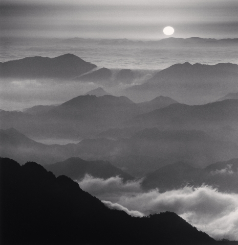 Michael Kenna_Huangshan Mountains, Study 46, Anhui, China. 2010. Photo(C)Michael Kenna/RAM
